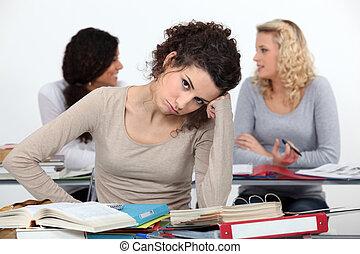 退屈させられた, 女性, クラスで