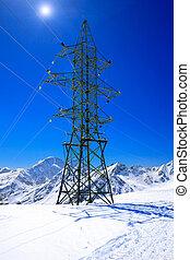 送電線, 山。, 高く
