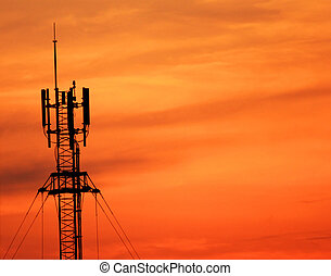 通訊塔, 傍晚, 天線