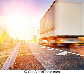 速い, 動いているトラック