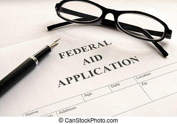 連邦である, 適用, 援助