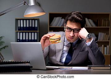 遅く, バーガー, ビジネスマン, 食べること, 夜