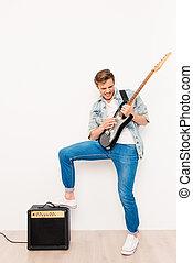 遊び, 幸せ, 涼しい, ロッカー, ギター, 電気である, 若い