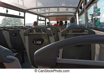 遊人, 公共汽車