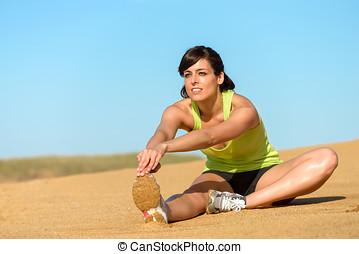 運動員, 婦女伸展, 腿, 上, 海灘