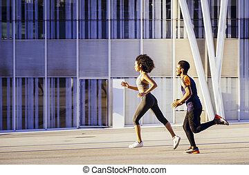 運動, 男の女性, 動くこと, 幸せ, 速い, ラテン語