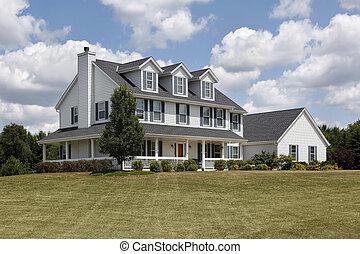 郊外の家, ∥で∥, 青, シャッター, そして, 巻きスカート, ポーチ