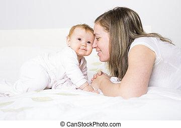 部屋, 彼女, ベッド, 這う, 赤ん坊, 肖像画