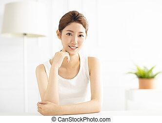 部屋, 若い女性, 暮らし, 微笑, アジア人