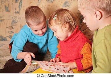 部屋, 読まれた, ソファー, 木製である, 本, 4, 子供