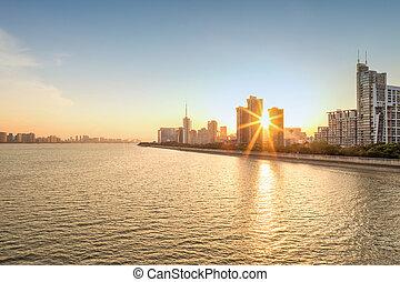 都市の景観, ∥で∥, 日没