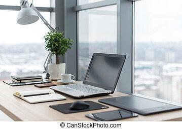 都市, オフィス, 窓, ラップトップ, 仕事, 快適である, ノート, 仕事場, テーブル, ビュー。
