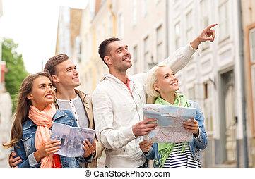 都市, グループ, 地図, 微笑, 友人, ガイド