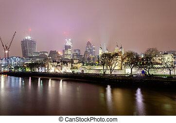 都市 スカイライン, ロンドン, 夜