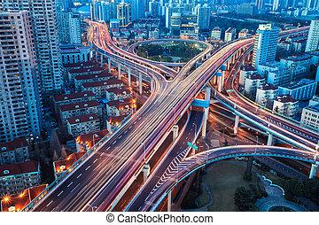 都市, 交換, ∥で∥, 尾は つく
