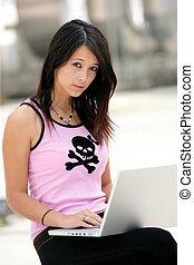 都市, 女, 若い, hot-spot, 使うこと, wi - fi
