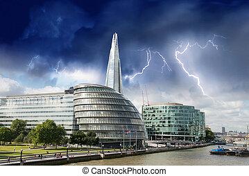 都市, 嵐, 橋, 上に, -, 川, パノラマである, ロンドン, イギリス, thames, タワー, ホール, 光景