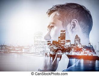 都市, thinking., ダブル, 若い, バックグラウンド。, ビジネスマン, さらされること