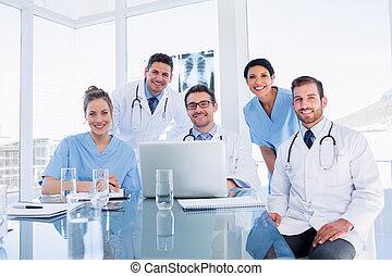 醫學, 一起, 隊, 使用便攜式計算机, 愉快