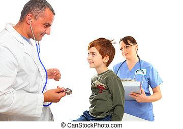 醫生和護士, 檢查, a, 男孩, 玩得高興