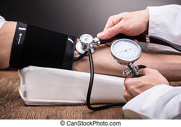 醫生, 檢查, 患者` s, 血壓