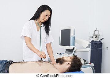 醫生, 檢查, 病人, 由于, 超聲波机器