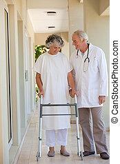 醫生, 步行, 由于, 他的, 病人