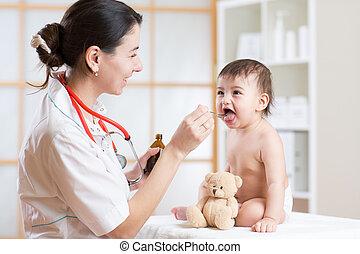 醫生, 給, 醫藥, 由于, a, 勺