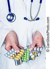 醫生, prescribes, a, 藥物處理