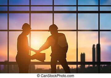 重い, パステル, 上に, シルエット, 立つ, ビジネス, industry., concept., 振動, 契約, ぼんやりさせられた, 建設, 日没, 背景, 手, チーム, 産業, エンジニア