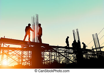重い, 地位, シルエット, エンジニア, 産業, 上に, 仕事, ぼんやりさせられた, 高く, 建設, 安全, 安全に, 背景, クルー, 自然, concept., pastel., オーダー, 日没, 地面
