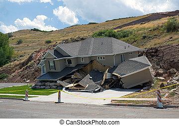 重い, 雨, 後で, 新しい 家, 地すべり, 破壊