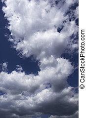 重, clouds(focus, 上, the, 中心, ......的, the, photo)