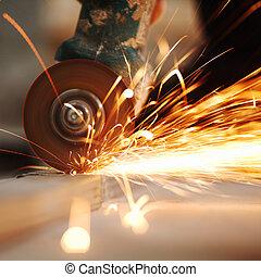 金属, のこぎりで切る