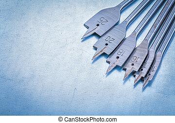 金屬, 黑桃, 位元, 為, 操練, 木頭, 上, 金屬, 背景, constr