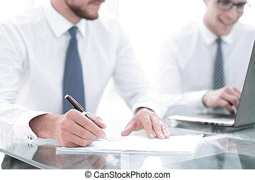 金融の報告, up.businessman, 終わり, 点検