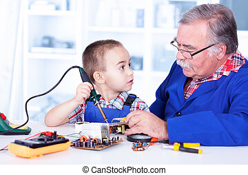 鉄, 仕事, 祖父, 孫, はんだ付けする, 教授