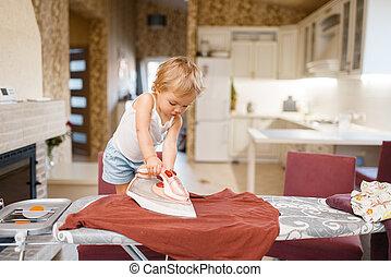 鉄, 赤ん坊, わずかしか, 衣服, 台所