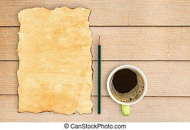 鉛筆, コーヒー, 古い, カップ, ペーパー, 木, テーブル。