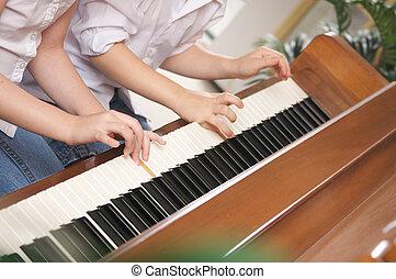 鋼琴, 孩子玩
