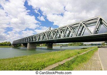 鋼鉄, 橋, 川, 横切って