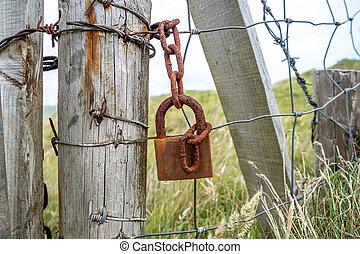 錆ついた, 門, 錠, 掛かること, フェンス, 次に, 鎖