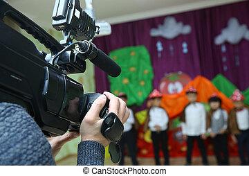 録音, 彼の, 装置, 背景, kindergarder, ぼんやりさせられた, 仕事, -, イメージ, ビデオ, オペレーター, 部屋, カメラ