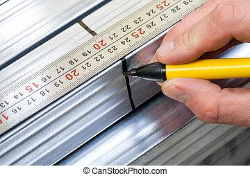 钢铁, 大头钉, 测量, 同时,, 标明