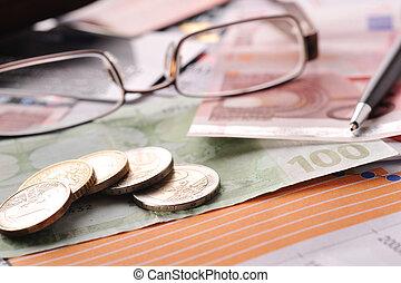 钱, 玻璃杯