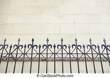 門, 金属, 教会