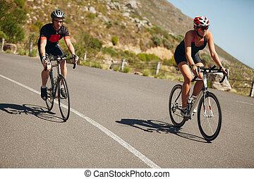 開いた, triathletes, 自転車, 道, 乗馬