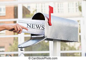 開始, 取除きなさい, メールボックス, 人, 手, 新聞