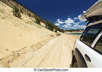 開車, 在海灘上