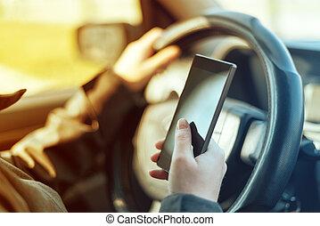 開車, 汽車, 以及, 使用, 移動電話, 到, 送, 正文資訊